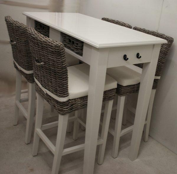 bartafel wit met rotan mandjes handmade interior