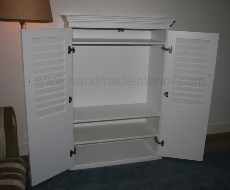 tv meubel met louvre deuren