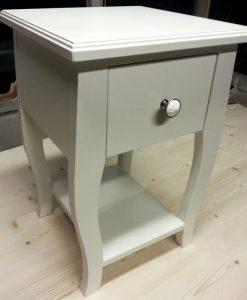 Barok side-table op sierlijke gebogen poten