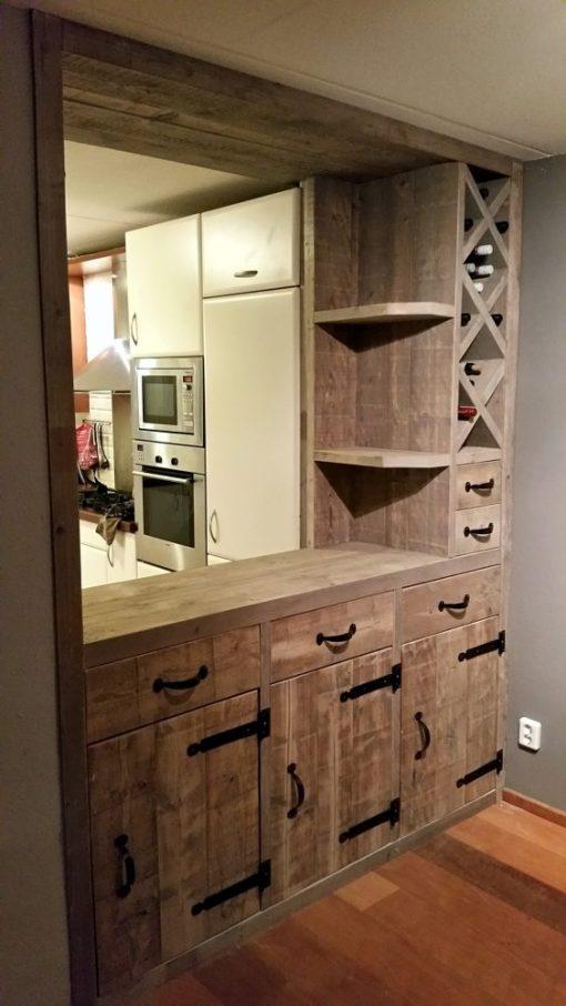 steigerhouten keuken bar met wijnrek en lades