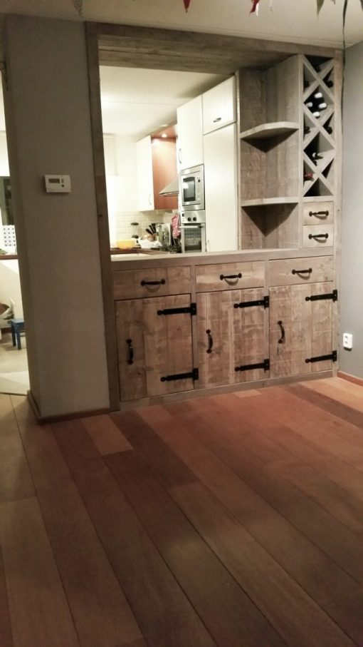 steigerhouten keukenblok van oude steiger planken