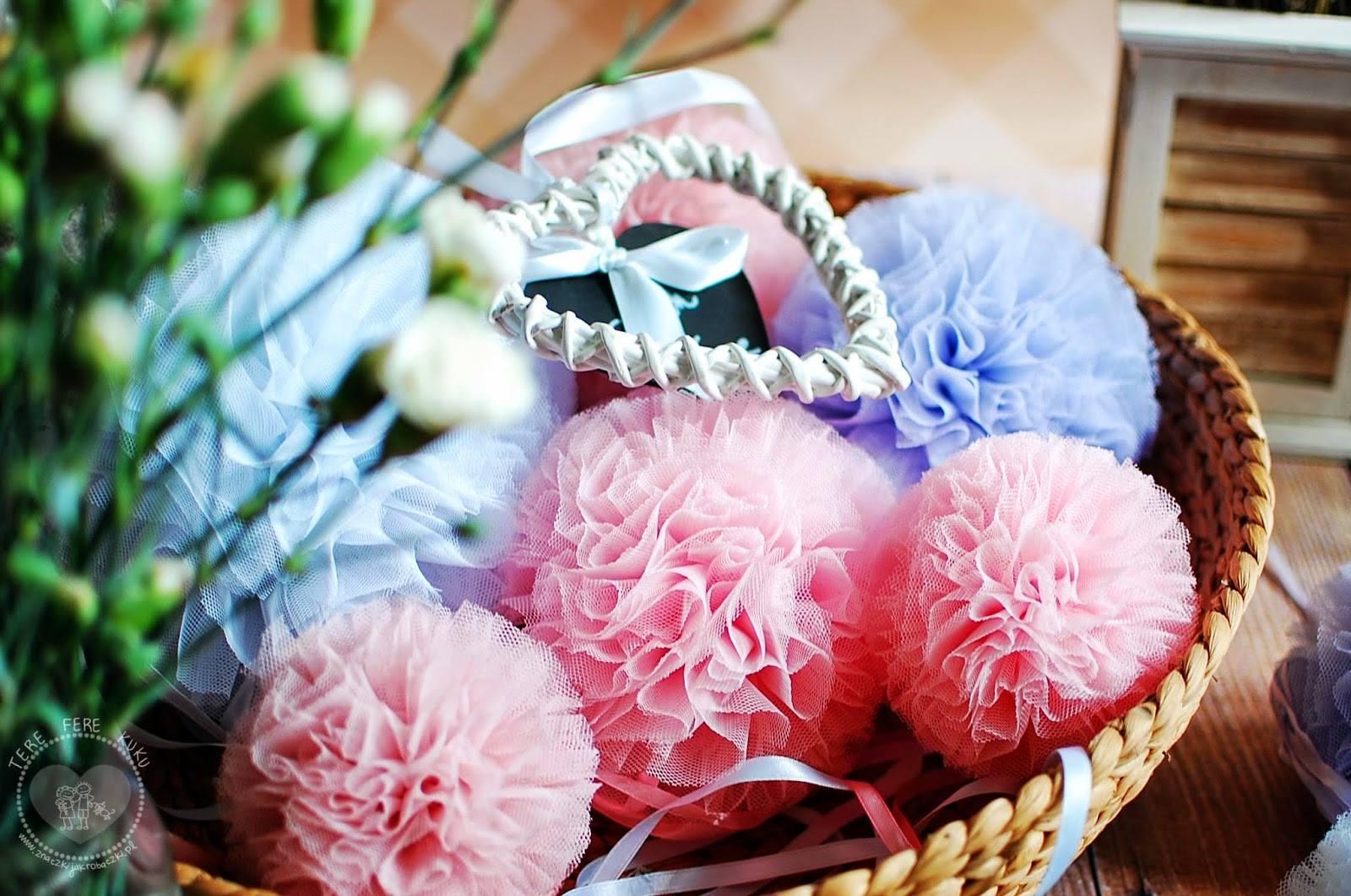 licht roze lila pompon