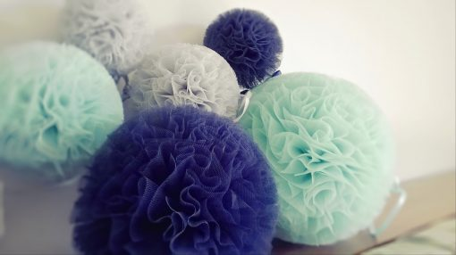mint donkerblauw grijs pompon